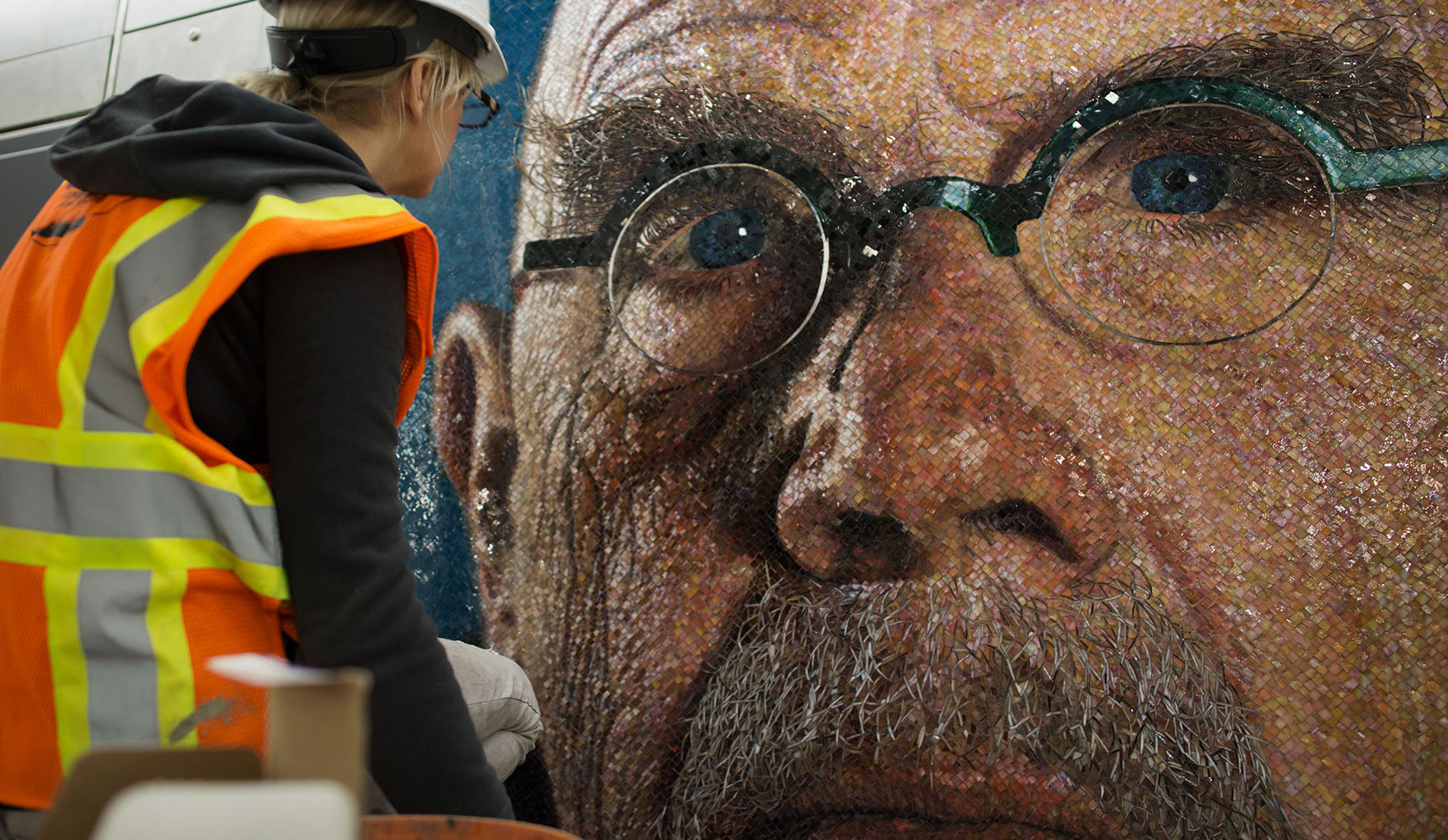 Artist: Chuck Close Photographer: Osheen Harruthoonyan